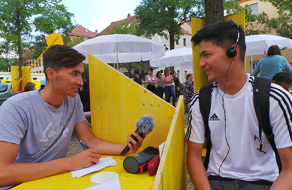 Smartreports-Freiheit-Friedenstafel-HHPlatz